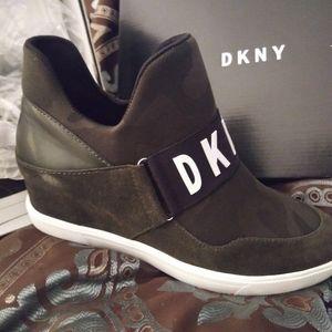 DKNY CAMEO BOOTIES
